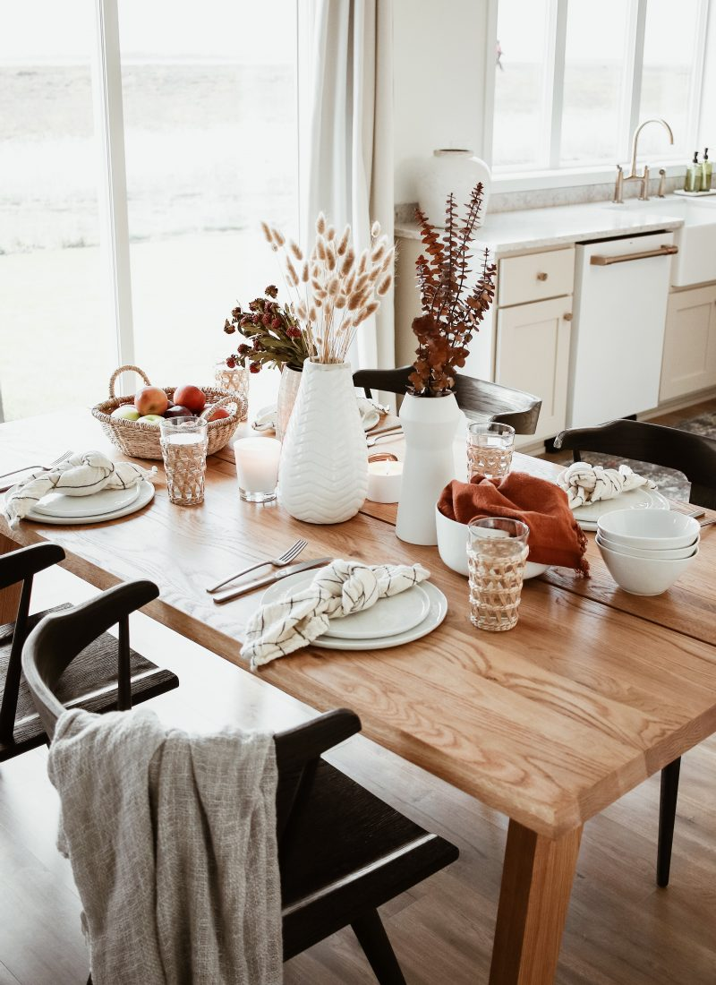 Casual Thanksgiving Table