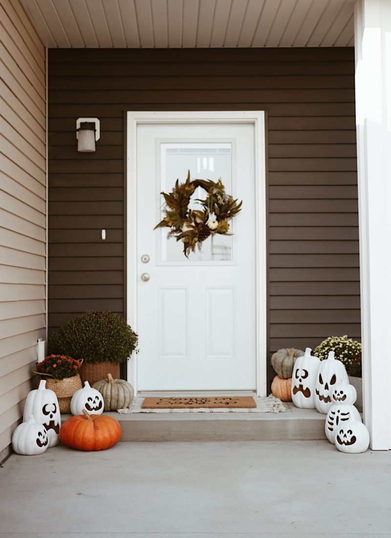 Halloween Front Porch, Halloween Movies, Spooky Decor and More